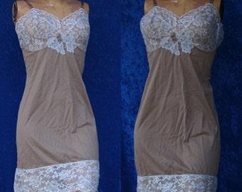 Vintage 1960s 60s Vassarette Munsingwear Silky Nylon Lace Full Slip Dress Retro Women
