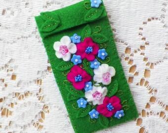 Handmade Felt USB, Flashdrive, Moo Card, Change Keychain / Holder, Lip Balm Holder Green with Pink, White Periwinkle Felt / Glass Beads