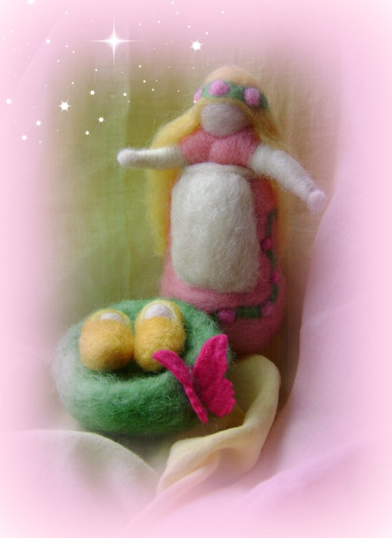 Waldorf Spring Mother with twins -  Needle felted in hand dyed New Zealand  wool -  Waldorf inspired art