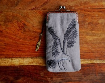 iPhone Case iPhone sleeve gadget case/Glasses Case -- Free Motion Embroidery Flying Bird  (iPhone 7, iPhone 7 Plus, Samsung Galaxy S7 etc.)