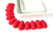 Red felted wool pebbles / beads (12 pcs.) Christmas decorations, Christmas ornaments, holiday garland, felt ornaments, wool decorations