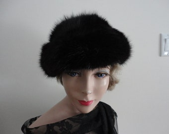 Vintage Dyed Black Muskrat Fur Women Hat 70s Boutique Kates Canada Med 21 1/2 inches NOS
