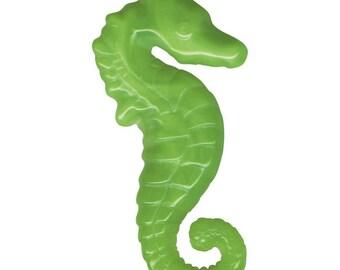 Seahorse Jade Green Bakelite Look 30s 40s Summer by the Sea