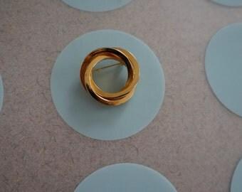 Vintage Triple Interlocked, Swirled Circle Brooch in Gold Metal