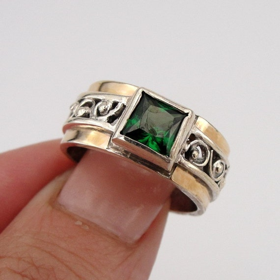 Stunning Sterling Silver  9K Yellow Gold Green CZ filigree Ring size 7 (s r1662)