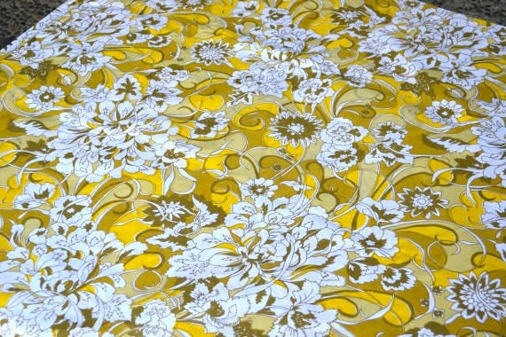 Vintage Bed Sheet - Mod Yellow and White Floral - Full Flat NOS