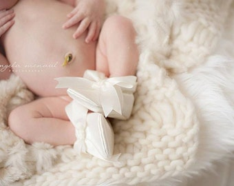 Classic Satin Bow Christening All Fabric Soft Sole Baby Shoes / Made to Order / Many Colors Baptism