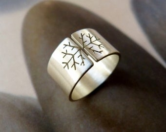 Snowflake ring, Sterling silver ring, wide band ring, metalwork jewelry, satine finish, Christmas gift, gift for her, gift for girlfriend