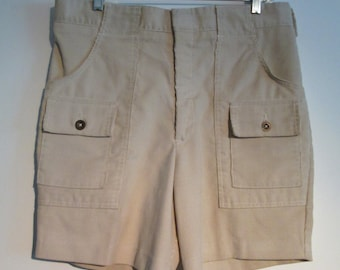 Vintage  Men's  Corduroy Longriders SHORTS. SIZE 34.  Beige. Harris Casuals.  New old stock.   Let's go surfin.
