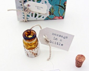 Maid of honor invitation  -  message in a bottle gift box