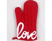 END of LINE SALE - Love is the Special Ingredient Economy Oven Mitt with Love Print