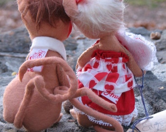 Together Forever - ANNALEE MiCE - 1997 - VALENTINE 'S DaY- DoLLS - Pair - Set of 2 - 1997 - Table Decor - Scenes - Window Display - Party