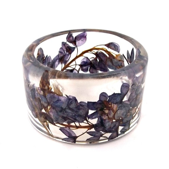 Bluebonnets Resin Bangle.  Chunky Bangle with Blue Pressed Flowers. Real Flowers - Bluebonnets. Gift for Her. Personalized Jewelry. Engraved