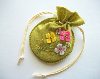 Gift Bag Spring Green Felt Compact Pouch or Jewelry Bag Hand Embroidery Handsewn
