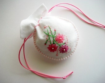 Bridal Jewelry Pouch White Felt Drawstring Bag with Hand Embroidered Flowers and Swirl Handsewn