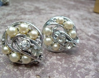 Vintage silver tone Faux pearl and Rhinestone Screw back earrings