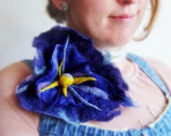 felt blue heart flower necklace, eco friendly, fiber, statement necklace, lariat
