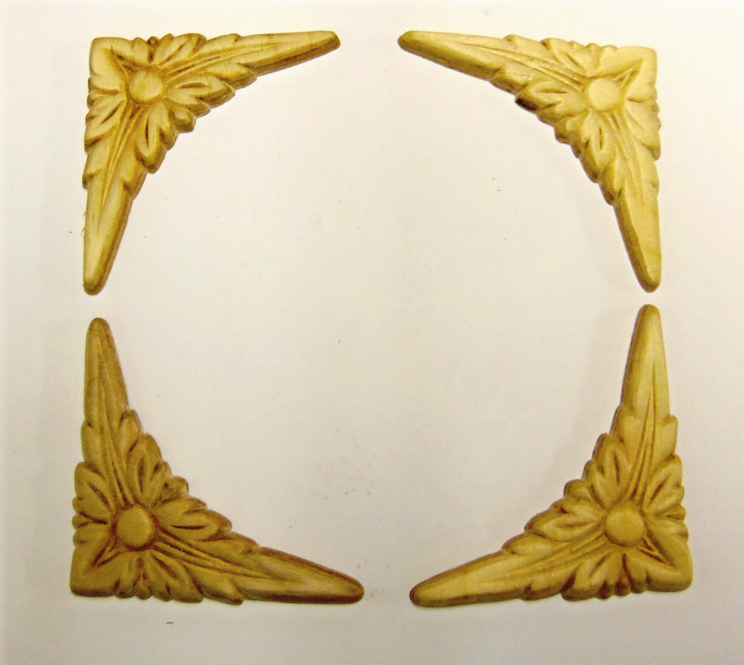 Wood Appliques lays Set of 4 Corners Birch Embossed