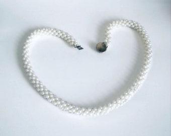 "Vintage White Faux Pearl Rope Neckace Princess length 18"""