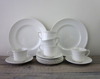 White China DishesWedgwood Hedge Rose 15 Pieces
