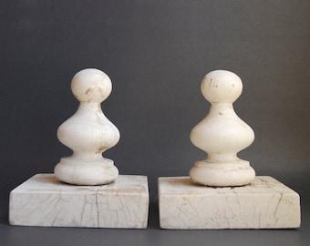 Vintage White Wood Finials, Shabby Chic E1376