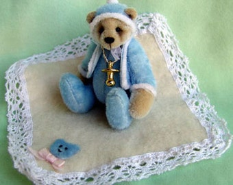 Jamie a complete sewing kit for a miniature teddy bear