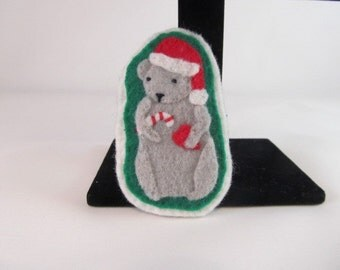 Christmas Mouse Pin-Christmas Pin-Christmas Brooch-Mouse Pin-Christmas Mouse