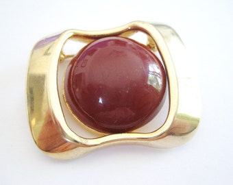 Vintage Gold Tone and Burgundy Brooch