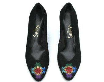 Vintage Selby Multi-Colored Suede Embroidered Classic Dress Pumps Shoes Sz 6