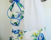 HALF APRON w/ Blue Print Flower Basket Pocket So CUTE 1950s