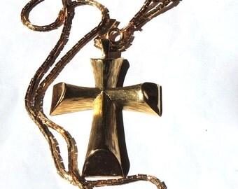 Avon Large Cross Vintage Neckalce Florentine Serpentine Chain Designer Vintage Jewelry