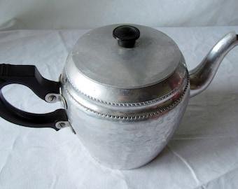 Vintage English Aluminum Sona Ware Teapot Bakelite (?) black handle Very Vagabond