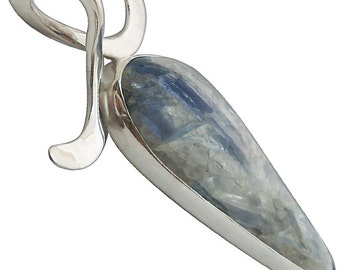 Kyanite Pendant set in sterling silver  pkyag2285