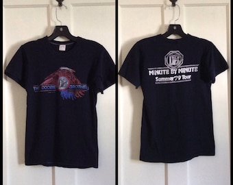 Vintage Doobie Brothers Minute by Minute 1979 Concert Tour T-shirt size Medium looks XS Eagle