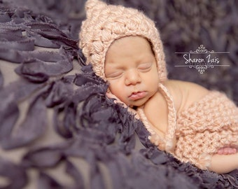Pink Bonnet, Pink Shorts, Baby Bonnet, Baby Hat, Newborn Hat, Baby Shorts, Pants Set, Newborn Shorts, Newborn Photography, Photo Props