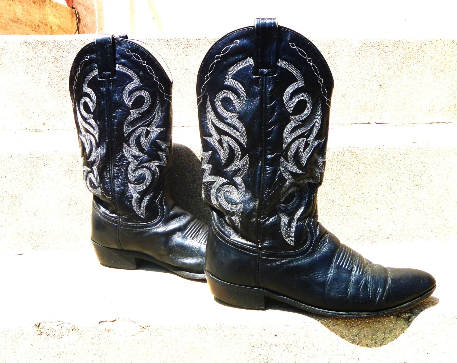 vintage western cowboy boots with stacked heel embroidered