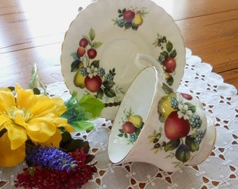 Vintage Royal Albert Teacup And Saucer Fruit Berries Flower Free Shipping