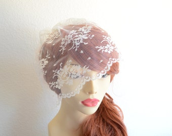 MADE TO ORDER, Ivory Lace Birdcage veil, Small Lace Veil, Ivory lace Veil, Vintage Lace veil, 9inch veil, Chantilly Lace veil,Last One