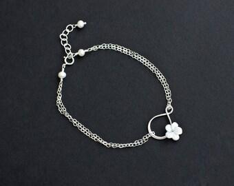 Infinity Bracelet, Silver Infinity Pendant, Mother of Pearl Flower Infiniy Bracelet,Forever Friendship, Bridesmaid Gifts, Sister,Flower Girl