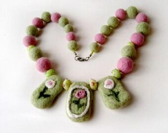 "A felt necklace ""Flower"""