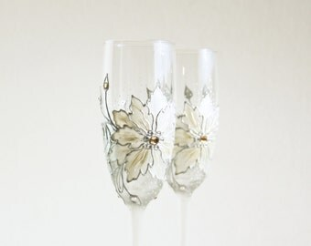MADE to ORDER,Ice Queen, White Poinsettia, Wedding Glasses, Christmas Glasses, Hand Painted Glasses, White Flower Glasses, Set of 2