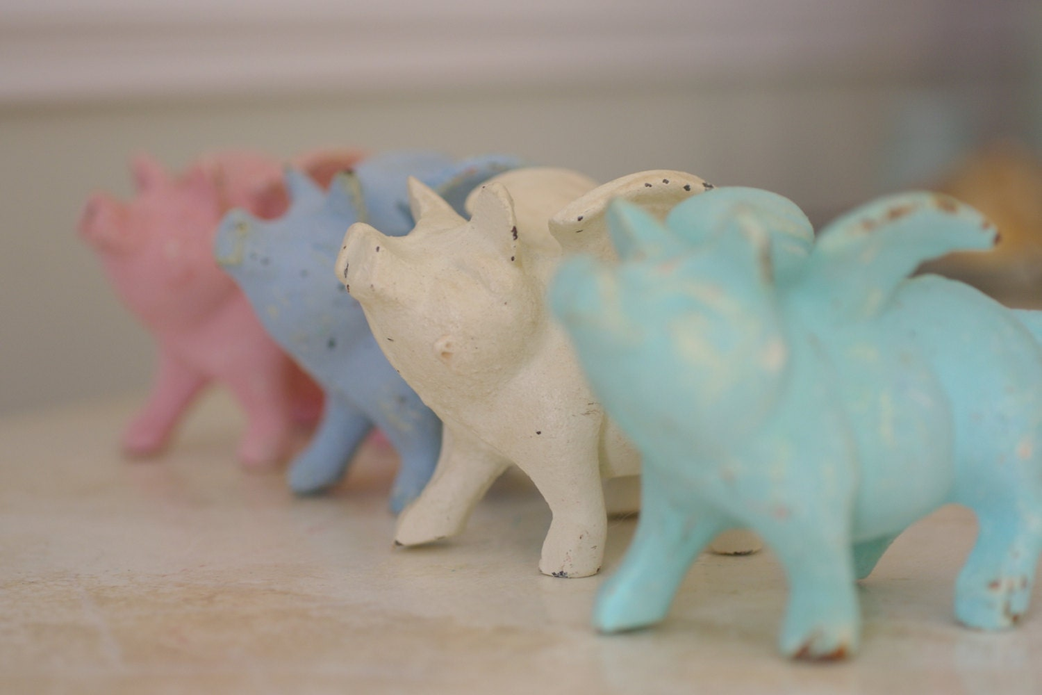 Home decor cast iron little flying pig pink for Pig decorations for home