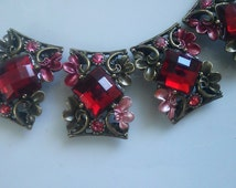 Red  Rhinestones Metal Beads  with  Flower and Leaves  Motif. 4 Pieces, Jewelry Supply, Buckles, Rhinestone Connectors.