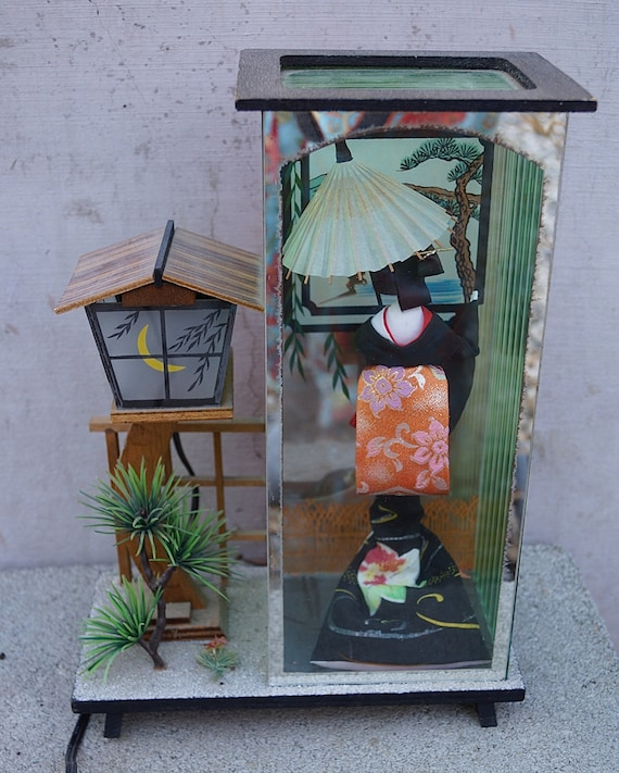 Vintage Japanese Geisha Girl Table Lamp Night Light Shadow Box