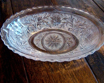 Vintage Anchor Hocking Sandwich Glass Crystal Oval Bowl