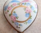 Limoges Heart Box Trinket Ring Box Peint Main Hand Painted Vintage 080114ON