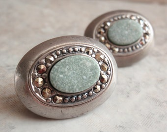 Liz Claiborne Earrings Clip On LC Green Marble Pewter Look Marcasite Vintage V0195