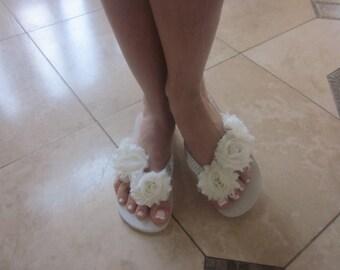 Wedding Flip Flops/Wedges for Bride. Ivory Flip Flops.Beach Weddings.Shabby Chic Bride. Bridal Accessories.Bling Flip Flops.