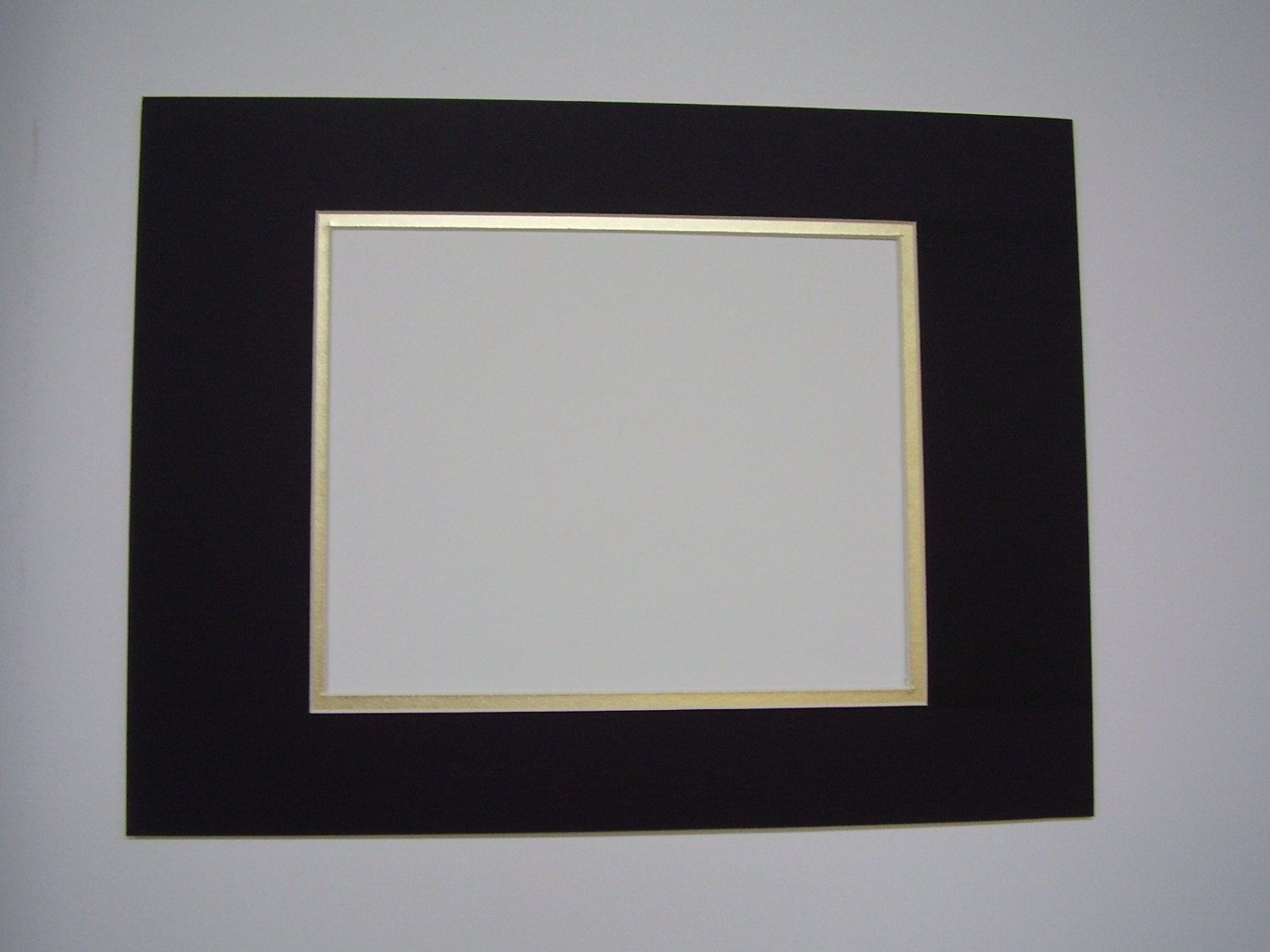 Picture Framing Mat Black With Gold Liner 12x16 For 8x10