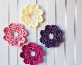 Decorative Crochet Mini Wreath Wall Hangings & Picture Frames - Romantic Cottage hues